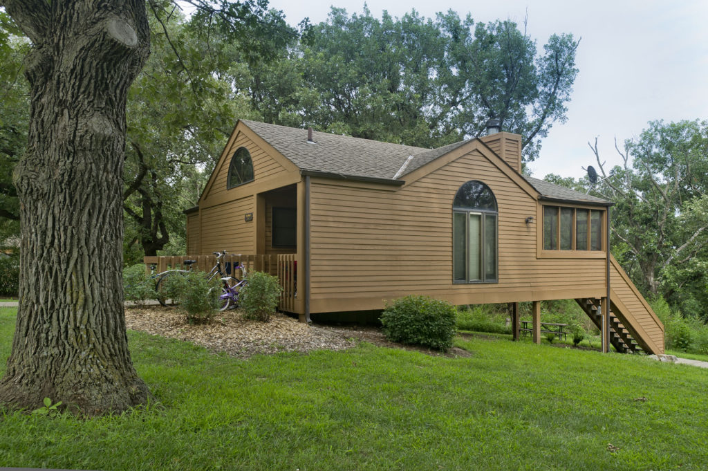 Cabin at Mahoney. Photo credit: Nebraska Tourism